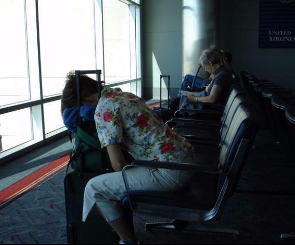 odd_sleeping_airports_12_15004870829362