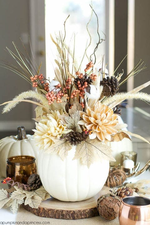 gallery-1501789414-white-pumpkin-vase