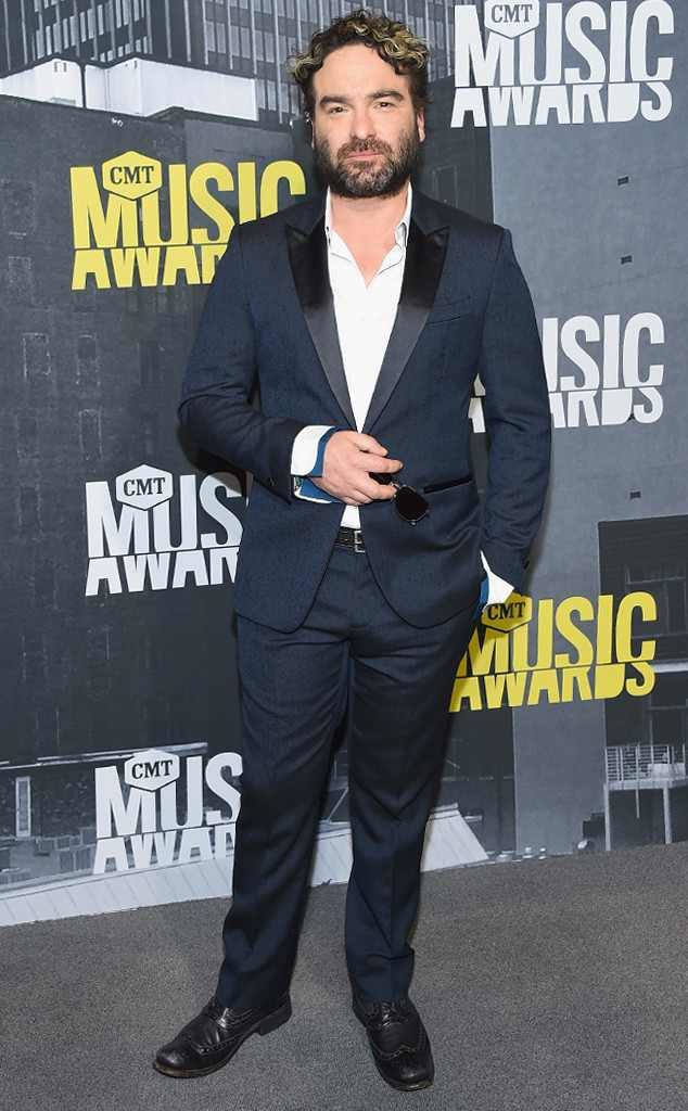 rs_634x1024-170607162530-634-johnny-galecki-cmt-awards