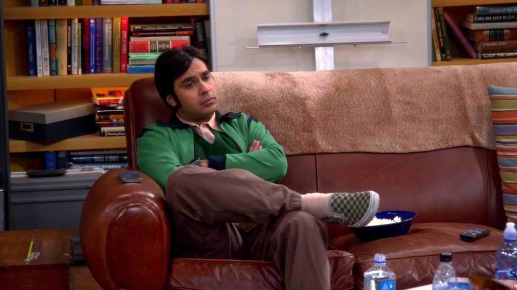 tv-the_big_bang_theory-2007_-raj_koothrappali-kunal_nayyar-footwear-s08e05-checkered_vans-1024x576